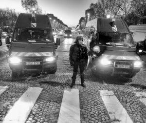 Une émeute anti-Macron sur les Champs-Elysées ?